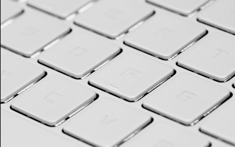 Laptop MSI Prestige PS42 có đèn nền