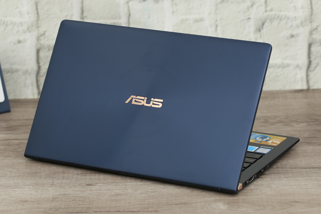 ASUS ZenBook UX433FA Core i5 8265u/8G/256 SSD/14in FullHD, còn BH 21th - 1