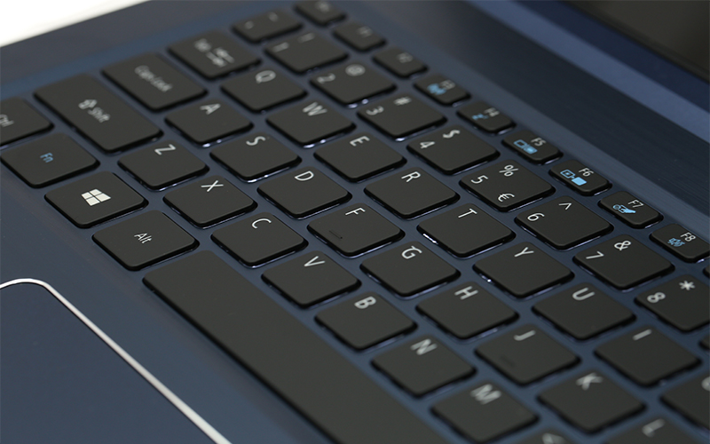 Acer Swift 3 bàn phím có độ nảy tốt