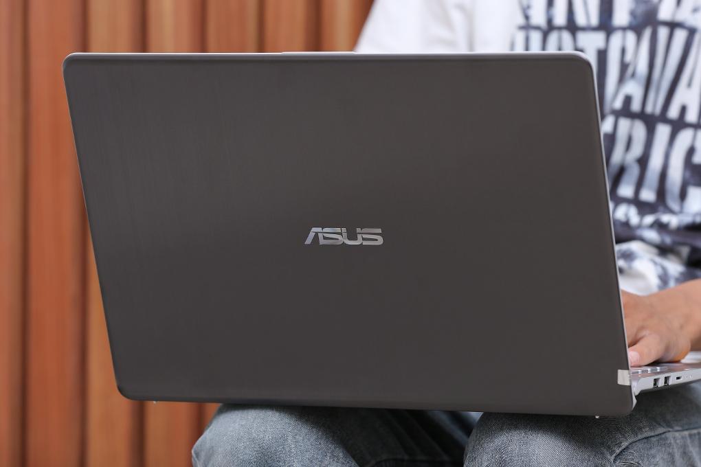 ASUS VivoBook S15 gọn nhẹ