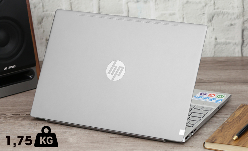 Laptop HP Pavilion 15 cs2057TX  nặng 1,75 kg, dày 17,9 mm
