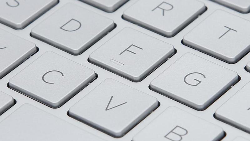 Laptop HP Envy 13 aq0025TU (6ZF33PA) có bàn phím với các phím kích thước khá lớn
