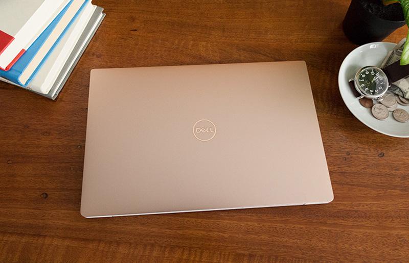Laptop Dell XPS13 được thiết kế vỏ nhôm nguyên khối.