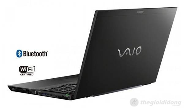 Sony Vaio SVS15115FG được trang bị đầy đủ các kết nối thông dụng