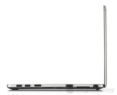 Cạnh trái máy là 2 cổng USB, cổng  DisplayPort , cổng VGA, khe SD và cổng Ethernet