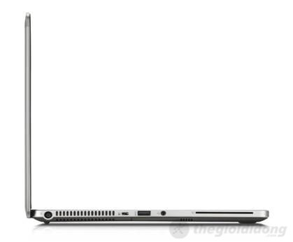 Cạnh phải của máy là 1 cổng USB  3.0, jack 3.5 mm, ngõ sạc