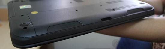 Loa được thiết kế nằm phía trước bên dưới thân máy cho âm thanh khá to khi sử dụng Dell Inspiron 14 N3421
