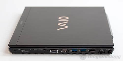 Màn hình của Sony Vaio SVS 13