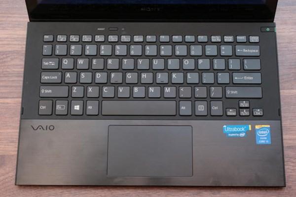 Touchpad rộng rãi của Sony Vaio Pro 11