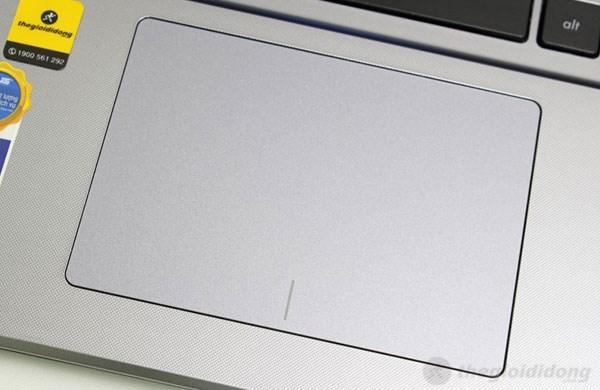 Touchpad của X550LC rộng, thao tác linh hoạt