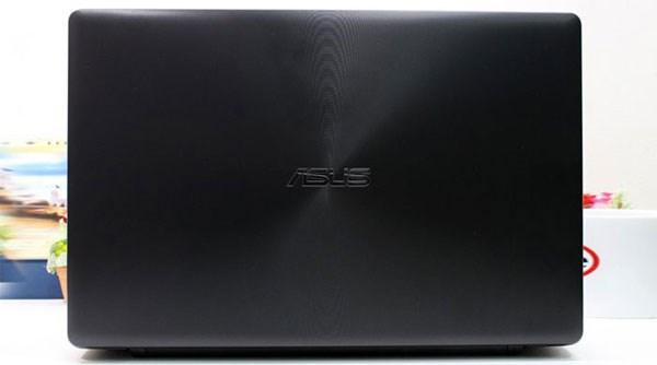 Asus X550LC logo Asus với các vân tròn đồng tâm