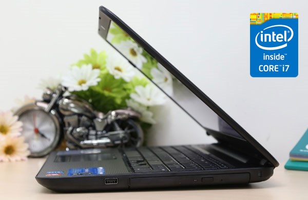 Dell Inspiron 3537 Intel Core  i7 Haswell, AMD Radeon HD 8670M