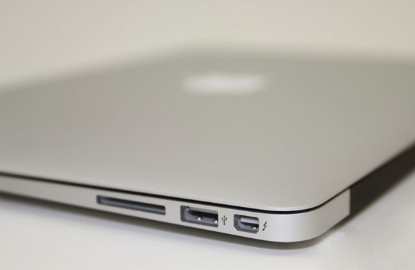 Apple Macbook Air 13inch 2014 thunderbolt, usb 3.0