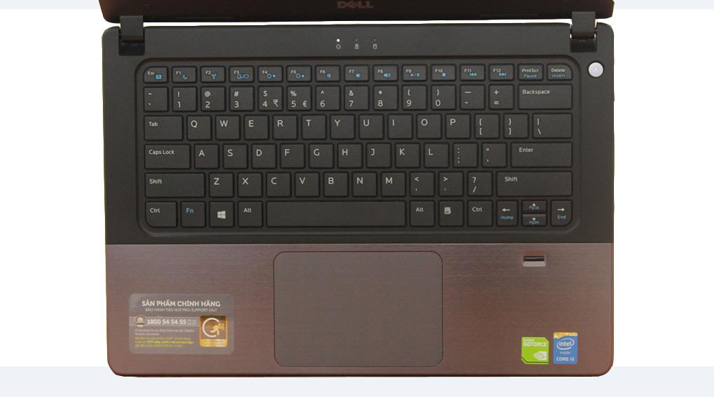 Phần chiếu nghỉ tay ở bền mặt bàn phím cũng được thiết kế phần vỏ kim loại giúp tản nhiệt tốt