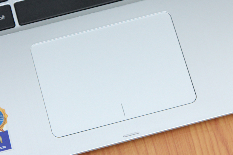 Touchpad nhạy và thông minh