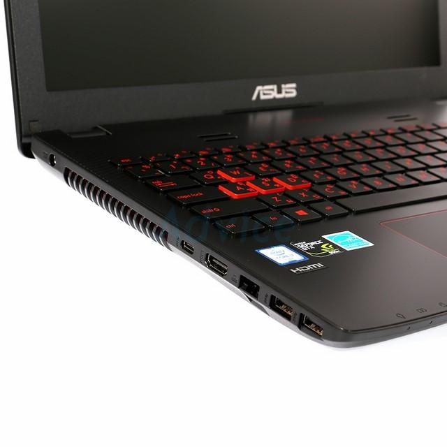 Cạnh trái của máy chứa các cổng kết nối USB 3.0, HDMI, USB-C
