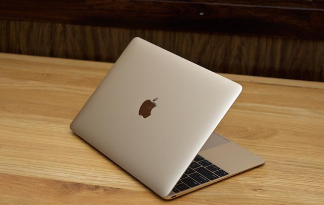 Apple Macbook 12 inch MLHE2 - Logo quả táo ở mặt trước đã không còn phát sáng mà được thay thế bằng mặt kim loại tráng gương