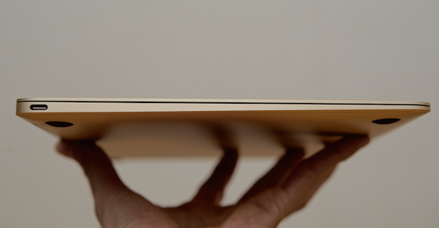 Apple Macbook 12 inch MLHE2 - Điều này giúp cho sản phẩm thật tinh tế, gọn nhẹ