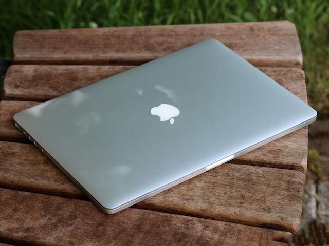 MacBook Pro Retina MJLQ2ZP/A i7 - Thời lượng pin tăng đến 10 tiếng sử dụng