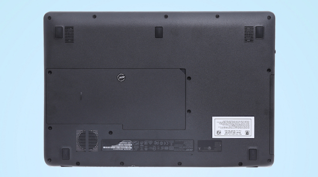 Acer ES1 533 N4200 - Mặt sau của máy