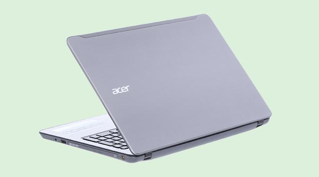 Acer Aspire F5 573G 55HV i5 - Máy được thiết kế với vỏ máy bằng nhựa, ở chiếu nghỉ tay touchpad được hoàn thiện bằng kim loại
