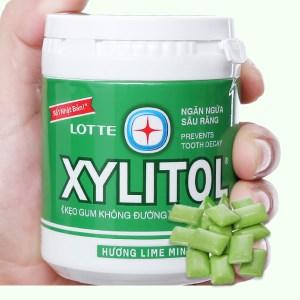 Kẹo gum không đường Lotte Xylitol hương Lime Mint hũ 137.8g