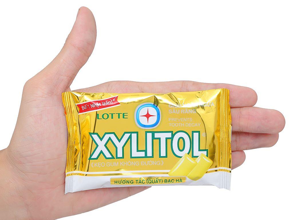 Kẹo gum không đường Lotte Xylitol hương tắc bạc hà vỉ 11.6g 4