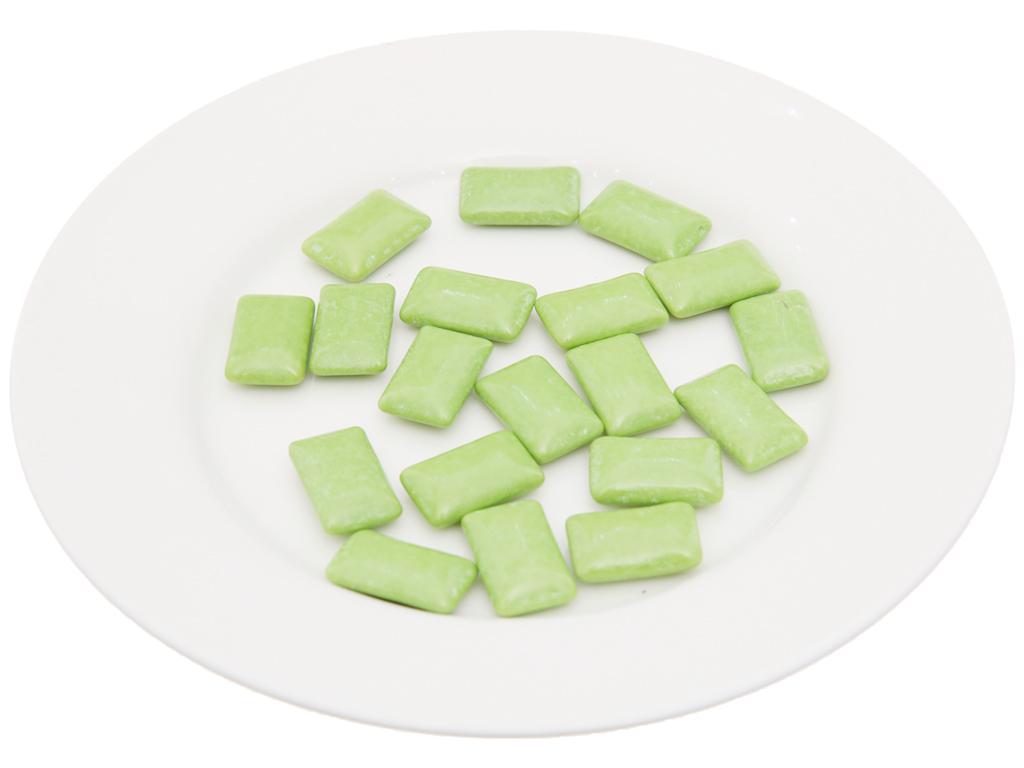 Kẹo gum không đường Lotte Xylitol hương Lime Mint hũ 26.1g 4