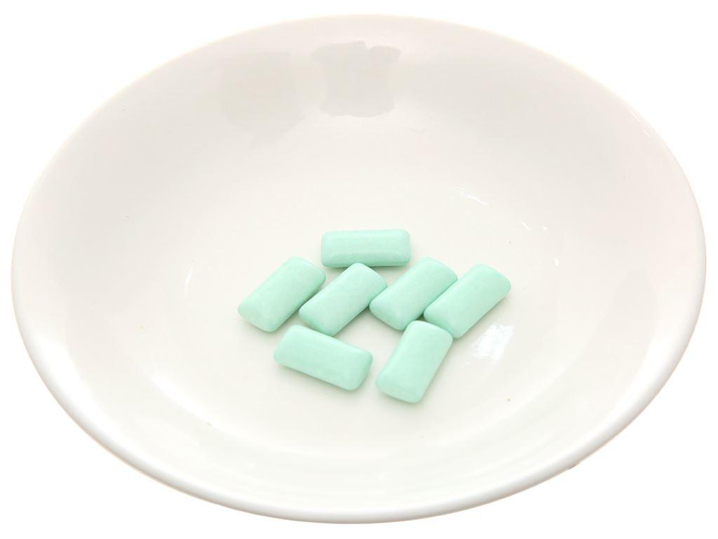 Kẹo cao su Mentos Fresh Action hương bạc hà vỉ 11g 4