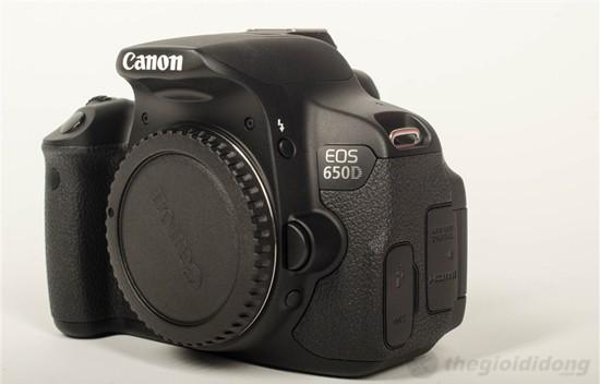 Máy ảnh Canon EOS 650D với kiểu dáng đẹp mắt.