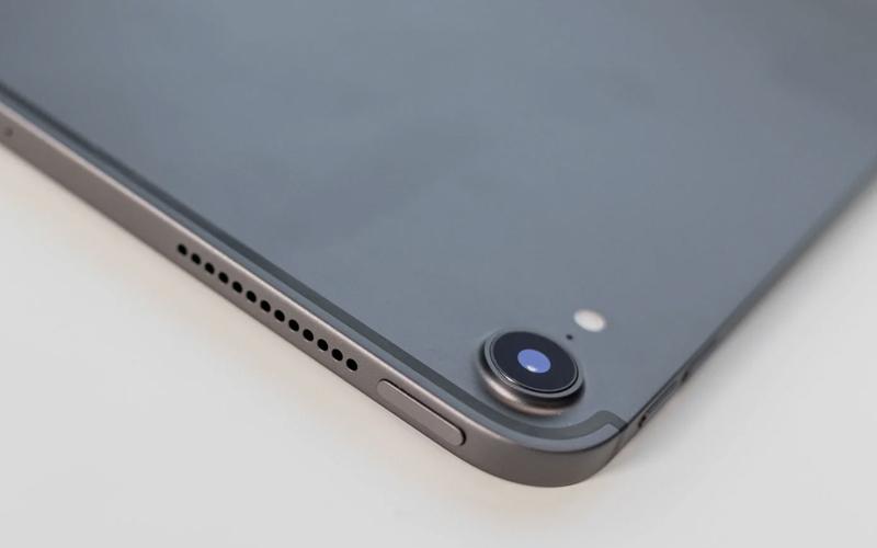 Camera sắc nét trên Máy tính bảng iPad Pro 11 inch Wifi Cellular 64GB (2018)
