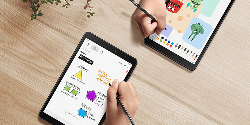 Thao tác trên máy tính bảng Samsung Galaxy Tab A S Pen 8 inch 2019