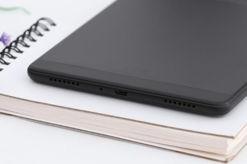 Máy tính bảng Samsung Galaxy Tab A8 8 inch T295 2019 | Mặt lưng nhám nhẹ
