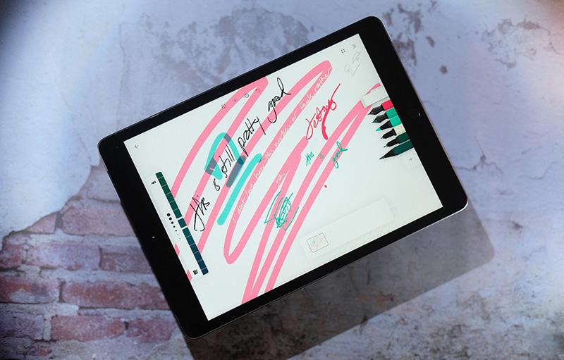 Điện thoại iPad 10.2 inch Wifi 32GB (2019) | Hệ điều hành iPad OS hỗ trợ bút Apple Pencil