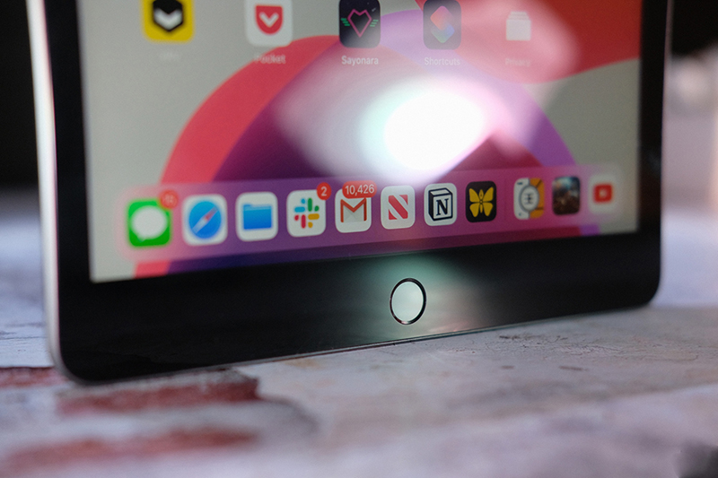 Điện thoại iPad 10.2 inch Wifi 32GB (2019) | Cảm biến vân tay Touch ID