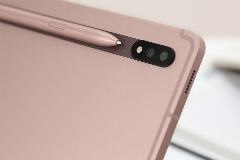 Máy tính bảng Samsung Galaxy Tab S7   Dải nam châm gắn bút S Pen nối liền với camera
