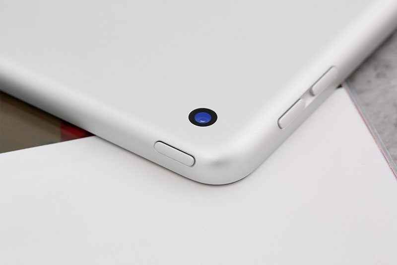 iPad 8 Wifi 128GB (2020) | Cạnh viền được thiết kế tỉ mỉ, tinh xảo