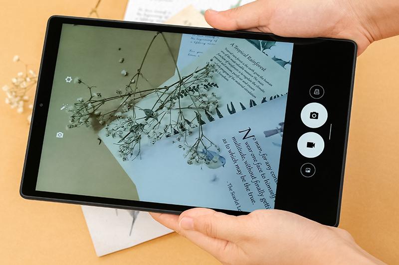 Lenovo Tab M10 - FHD Plus   Giao diện chụp ảnh