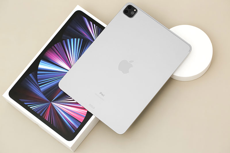 iPad Pro M1 11 inch WiFi Cellular 128GB (2021) | Thiết kế nguyên khối kim loại chắc chắn có độ hoàn thiện cao cấp