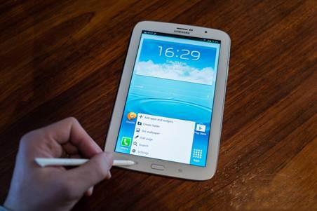 Galaxy Note 8.0 với bút hỗ trợ cảm ứng theo lực nhấn, cho trải nghiệm như bút viết thông thường