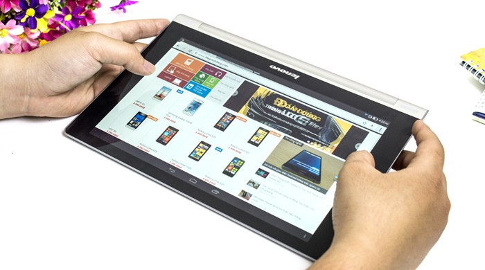 Yoga Tablet 10 B8000 Entertainment