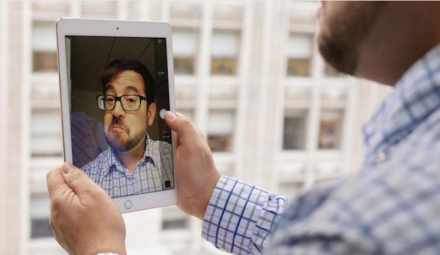 Camera phụ 1.2 MP cho hình ảnh khá, tiện hơn cho bạn khi sử dụng các cuộc gọi video call