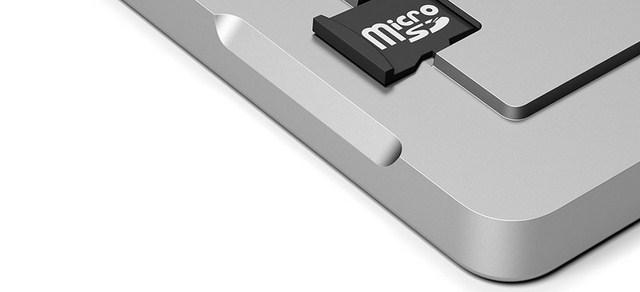 Khả năng hỗ trợ thêm thẻ nhớ ngoài giúp người sử dụng sao lưu dữ liệu một cách dễ dàng nhanh chóng