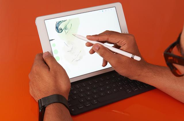 Apple thiết bị thêm phụ kiện bút Apple Pencil và bàn phím rời