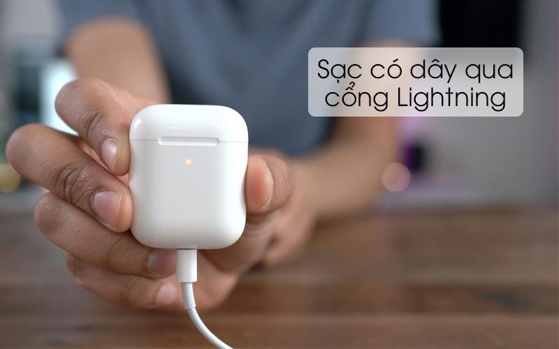 Tai nghe Bluetooth AirPods 2 Wireless charge Apple MRXJ2 Trắng được sạc pin thông qua cổng Lightning