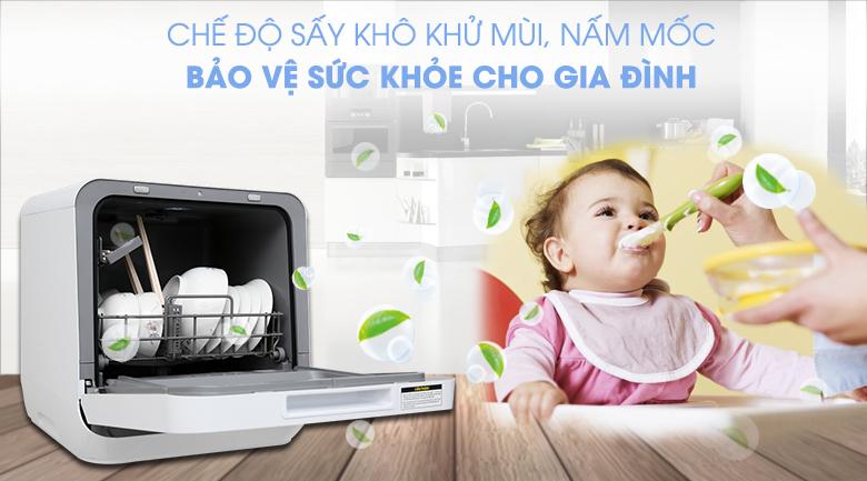 Chế độ sấy tuần hoàn loại bỏ mùi hôi, ẩm mốc cho chén đĩa tối ưu - Máy rửa chén mini Toshiba DWS-22AVN D 730W