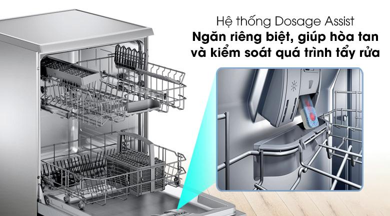 Máy rửa chén Bosch SMS25DI05E có hệ thống Dosage Assist giúp kiểm soát quy trình tẩy rửa