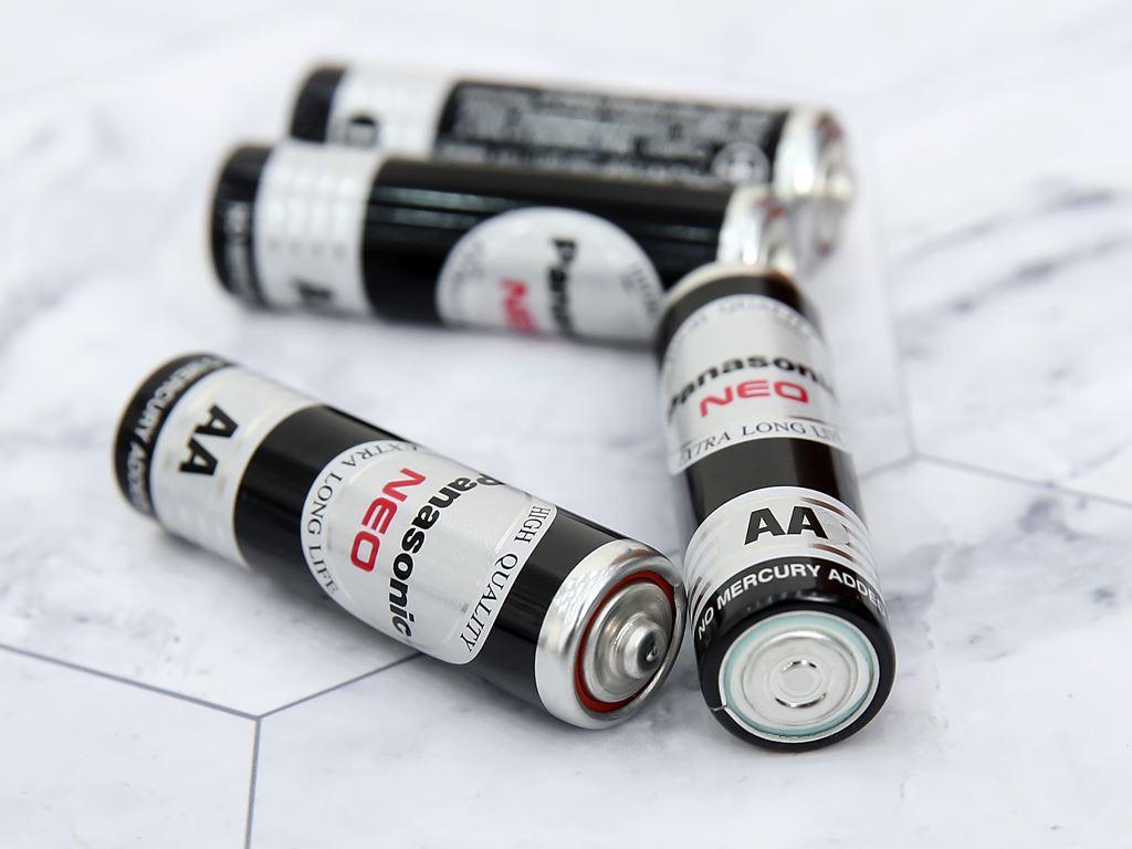 Vỉ 12 viên Pin tiểu AA Panasonic 1.5V MANAGANESE AA R6NT/12H 6