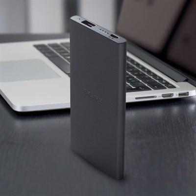 Pin sạc dự phòng Polymer 5000mAh Sony CP-V5B