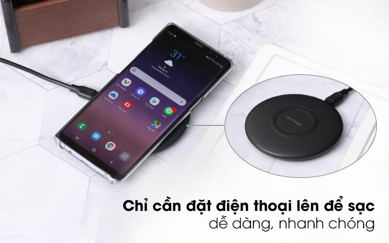 Sạc không dây 9W Qi Type C Samsung EP-P1100 đen sạc dễ dàng, nhanh chóng, tiện lợi